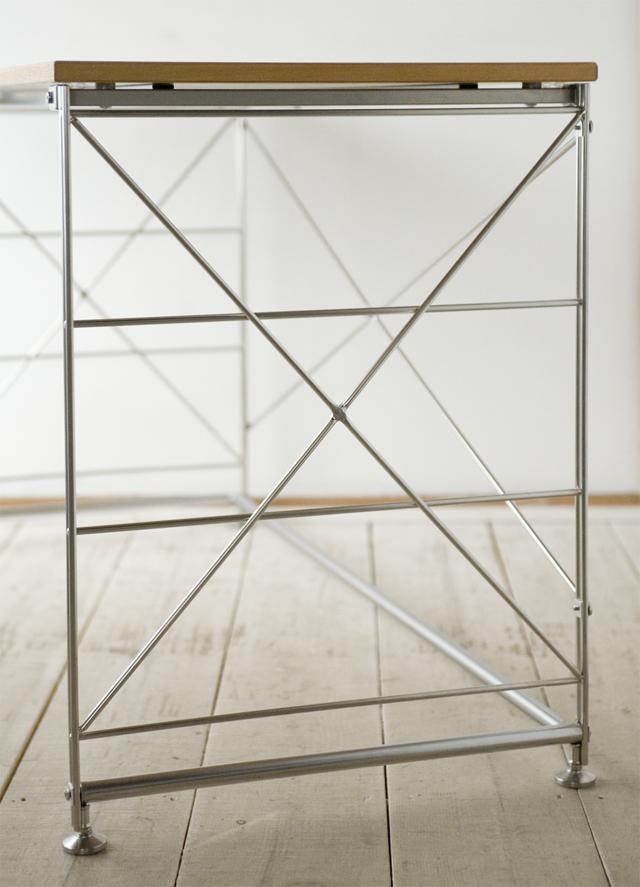 無印良品の「タモ材天板・ステンレスユニットデスク」-03