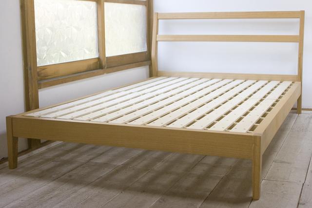 無印良品-タモ材ベッド
