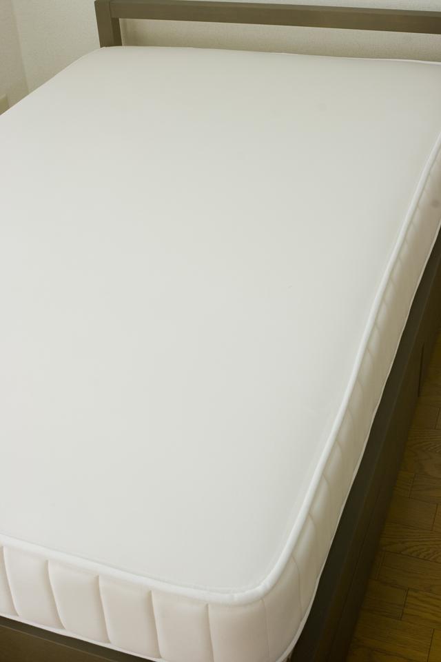 無印良品「タモ材ベッドフレーム・ブラウン・セミダブル|高密度ポケットコイルマットレス・セミダブル」-08